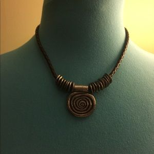 Jewelry - Brown necklace